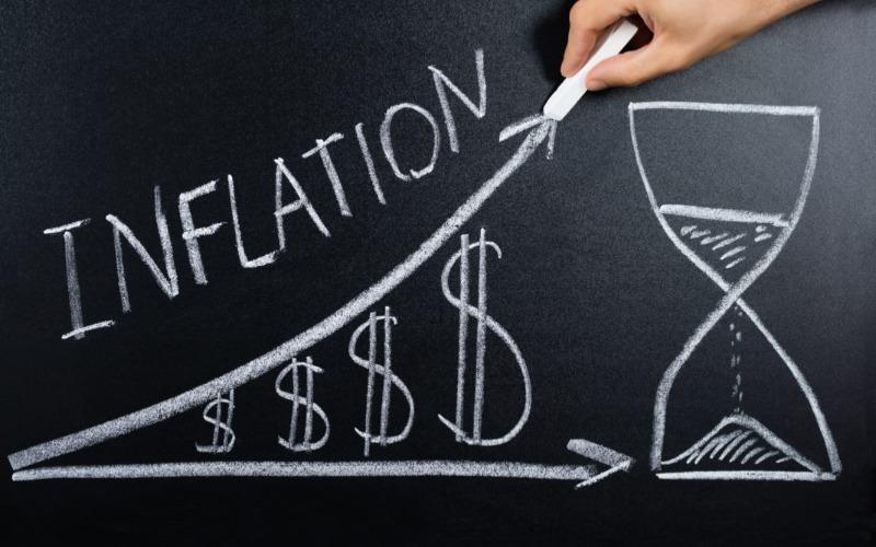 Emas Menunggu Laporan Tingkat Inflasi